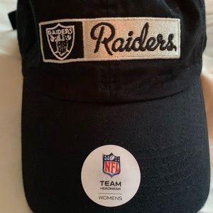 NWT Classic Oakland Raiders Cap